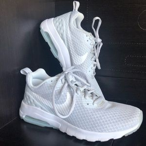 Nike Air Grey Athletic Shoes With Comfort Footbed